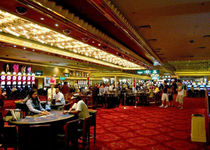 Rules About Online Casino Meant To Be Damaged